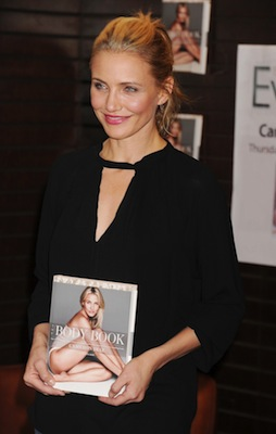 cameron-diaz-at-the-body-book-signing-at-barnes-and-noble