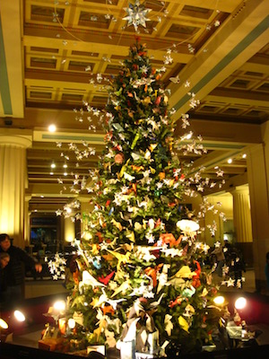 history-of-the-christmas-tree-pm5zboyd