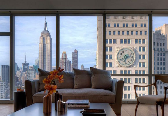View-of-the-New-York-City-Skyline-from-the-apartment